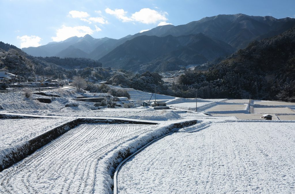 冬の川之内の風景